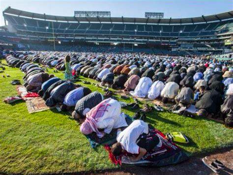 Garden Grove Islamic Center Muslims Hold Mass Eid Al Adha Prayer At Stadium