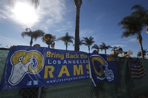 rams moving to los angeles 2015 raiders rams or chargers to la why an nfl team in los