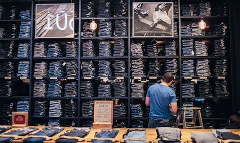 Denim Armchair The Levi S Brand Unveils New Stores In Las Vegas Amp Brooklyn