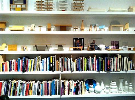 Buku Terence Conran Esensial Small Space conran the way we live now dear designer