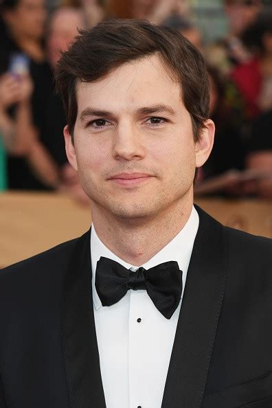 ashton kutcher ashton kutcher net worth how rich is ashton kutcher