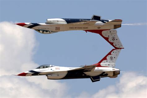 what us scow awesome air show by u s air force thunderbirds with f 16