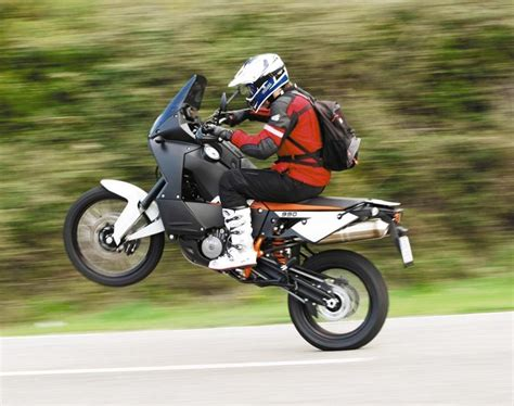 Ktm 1190 Wheelie Ktm 1190 Adventure Vs 990 Adventure The Specs Mcn