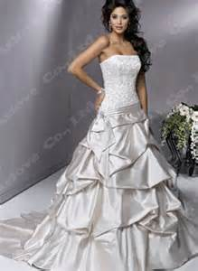 Wedding dresses 2011 pictures 1 source http free bridal shower themes