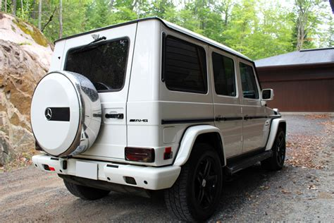 mercedes jeep white chalet des franciscains mont tremblant canada