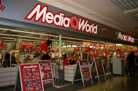 mediaworld porta di roma offerte lavoro e stage nei negozi mediaworld ecco dove inviare il cv