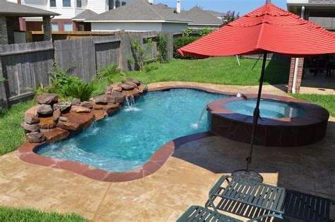 deep backyard pool this small pool and spa in katy tx houston tx features