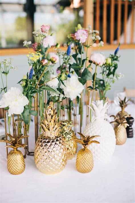 Unexpected Pineapple Centerpiece to Accent Wedding ? WeddCeremony.Com