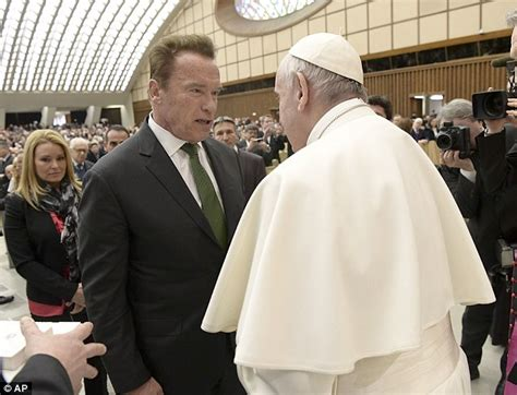 laste ned filmer pope francis a man of his word arnold schwarzenegger meets pope francis in vatican city