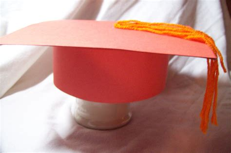 How To Make A Cap Out Of Paper - how to make graduation caps out of paper ehow uk