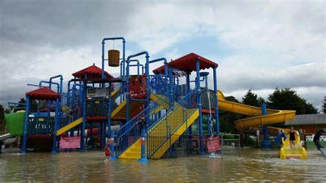 theme park nottingham the robin hood water park at the wheelgate adventure park