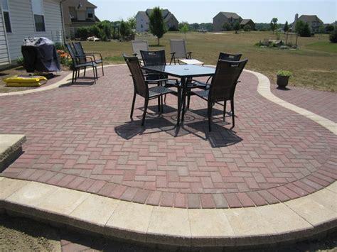 Simple Paver Patio 560 Best Images About Diy Patio Pathways On Diy Patio Bricks And Paver Walkway