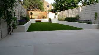 Patio Ideas For Small Gardens Uk Am 233 Nager Jardin Et Terrasse 52 Id 233 Es Pour Votre Oasis Sandstone Paving Bench Block And