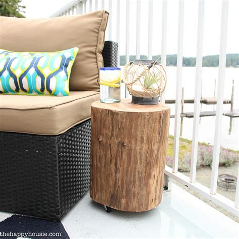 Diy Patio Side Table by Diy Outdoor Rolling Stump Side Table The Happy Housie