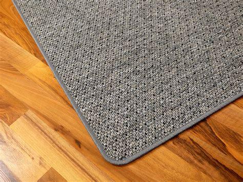 teppich blau schwarz teppich bentzon flachgewebe grau blau schwarz trend
