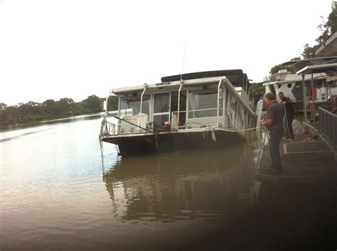 boat salvage bc photo 5 mannum houseboat salvage dynamic dredging pty ltd