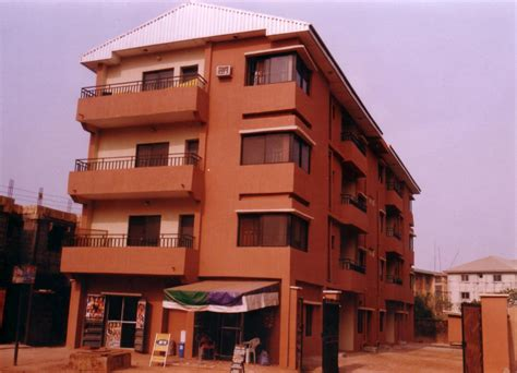 3 story building 3 story building 8 flats of 3 bedroom flats each for n50m