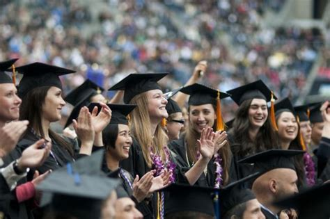Univerersity Of Washington Mba Regalia by Recycled Graduation Regalia Uw Sustainability