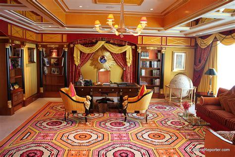 arab room only in dubai tour of the world s seven hotel the burj al arab airlinereporter