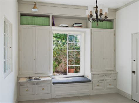 Window Seat With Cabinets by Window Seat Between Bookcases Design Ideas