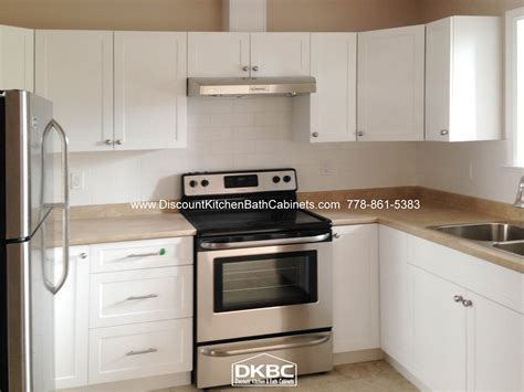 solid wood cabinets price dkbc deluxe white shaker p10 solid wood dkbc kitchen