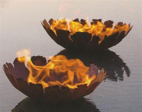 rostige feuerschale feuerschale mit rissen eisen 1 5mm stahl steht sicher auf