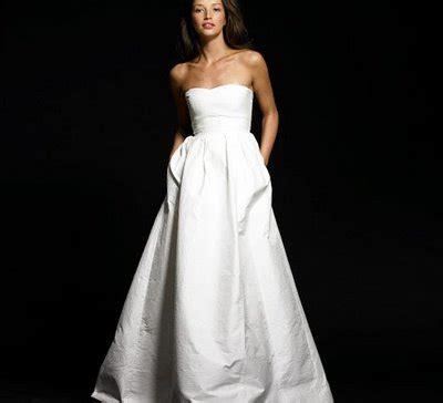 wearing wedding gown with pockets wedwebtalks