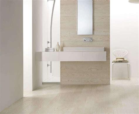 bagno in gres porcellanato effetto legno gres porcellanato effetto legno