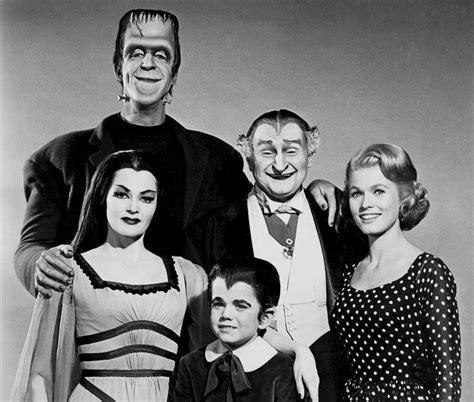imagenes de la familia los locos addams the addams family 1964 yapa entr 225 y revivi la serie