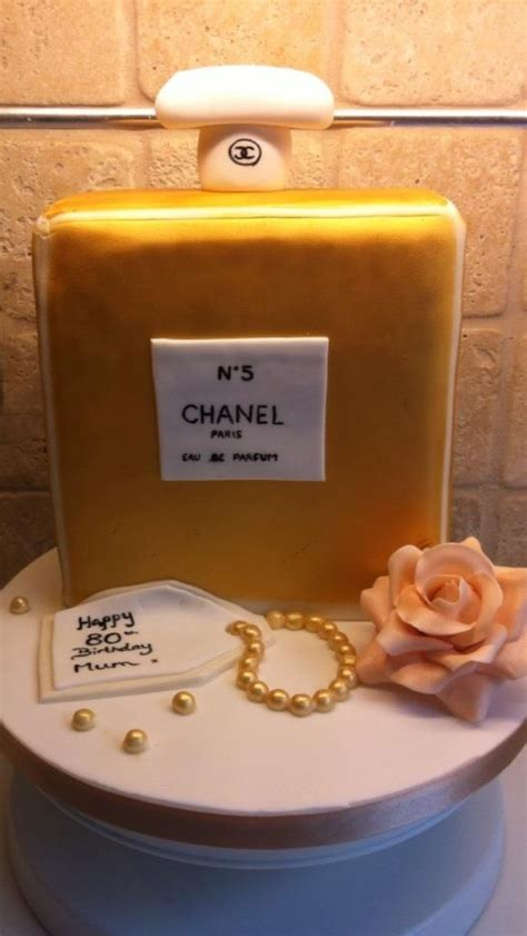 Tas Parfum Chanel 17 best images about parfume cakes on dubai cakes and perfume