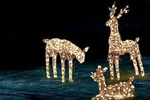 tips for decorating with outdoor solar powered christmas
