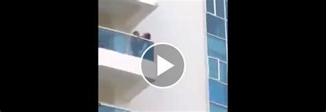 sesso sul terrazzo sesso sul terrazzo della scuola il fa il giro