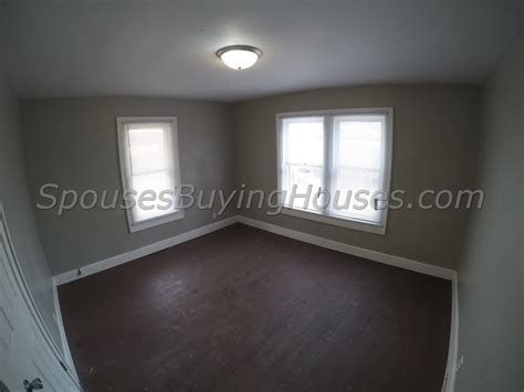 buy house fast we buy houses fast indianapolis bedroom 2 spouses buying houses