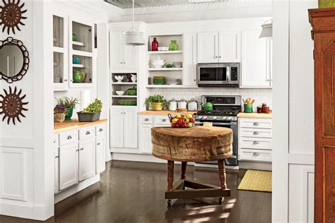 kitchen southern living kitchen designs old southern secondhand white cabinets crisp classic white kitchen