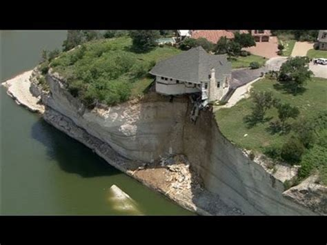 houses falling off cliffs wife saves nm husband from falling off cliff doovi
