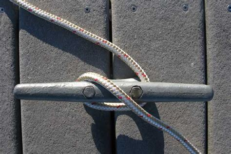 boat dock cleat knot how to tie a cleat hitch trailering boatus magazine