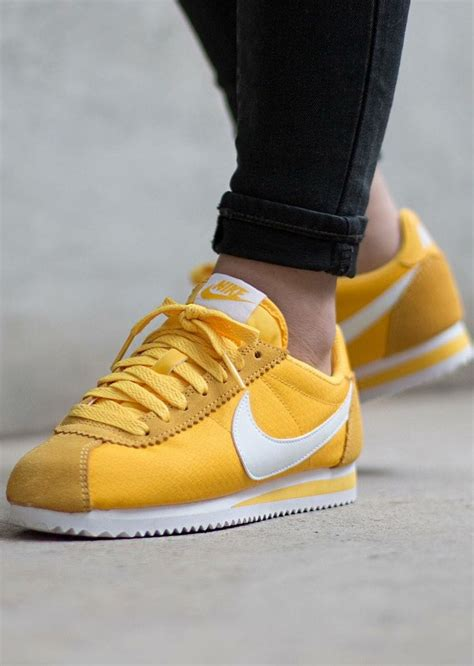 nike cortez yellow sneakers nike cortez