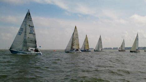 zeiljacht nieuwpoort nieuwpoort sailing weekend opent belgisch wedstrijdseizoen