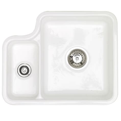 White Ceramic Kitchen Sinks Astracast Lincoln 1 5 Bowl Gloss White Ceramic Undermount Kitchen Sink Left Handed In Gloss Finish