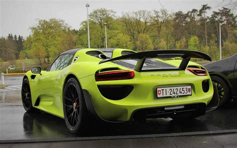 lime green porsche 918 weissach spotted at the ring