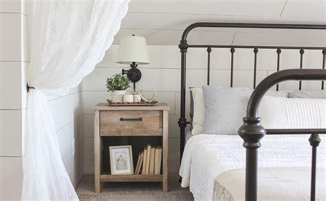 boring bedroom makeover master bedroom makeover boring bedroom turned rustic