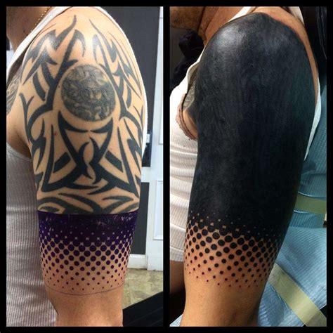 tattoo goo que es blackout tattoo el tatuaje que cubre tu piel de negro
