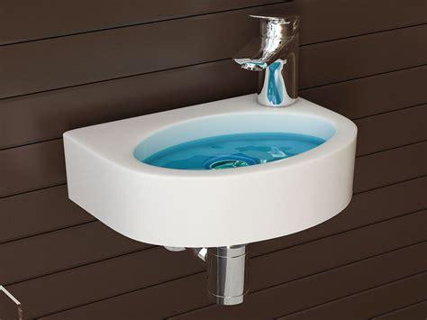 Keramik Waschbecken Reinigen by Keramik Waschbecken Reinigen Behindertengerechte Badewanne