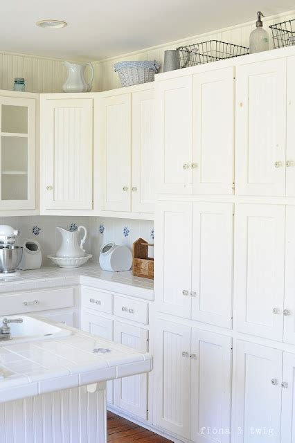 Wainscoting Cabinets by White Wainscoting Cabinets For The Home