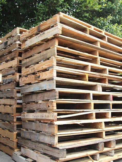 pallet    great guide  making   pallets