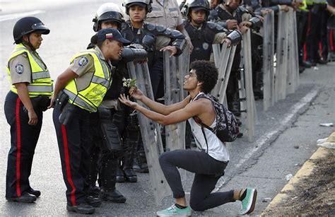 imagenes protestas venezuela la noticia en im 225 genes pasi 243 n por el lente