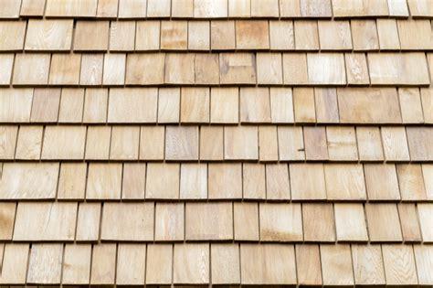 rivestimento tetto in legno diverse scandole in legno di cedro per rivestimenti o