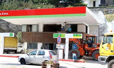 ufficio turistico sestriere addio allo storico distributore di carburante di sestriere