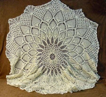 pattern crochet round tablecloth shopgoodwill com round crocheted pineapple pattern lace
