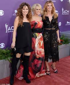 Dress Shincia Brukat Dc acm awards 2013 shania dons thigh high boots at academy of country awards daily